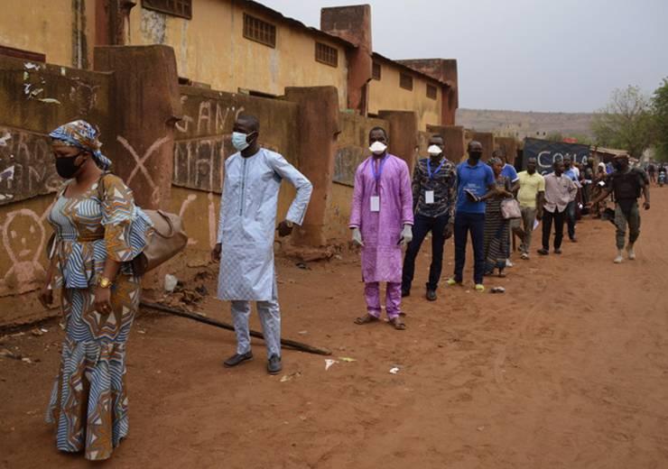 Les processus électoraux en cours en Afrique de l'Ouest à l'épreuve de la COVID-19